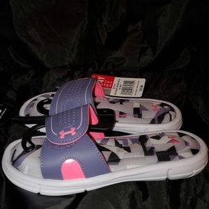 Girls Under Armour slide sandals size 4Y